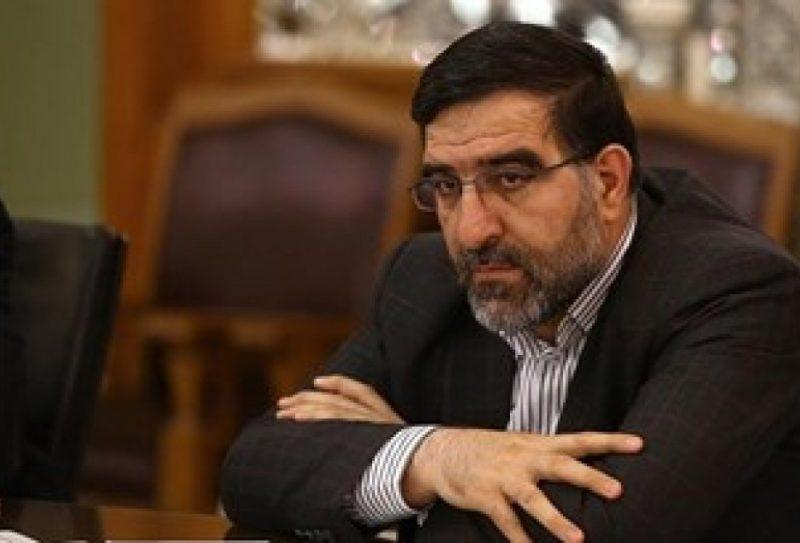 انتقاد عضو هیئت رئیسه مجلس از اصرار برخی مسئولان برای ورود کالاهای مصرفی به کشور