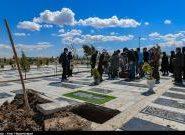 همت طلاب جهادی در شستوشو، کفن و دفن بیماران کرونایی