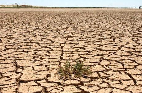 تخصیص نیافتن حقابه ها اصلی ترین عامل فرسایش خاک در قم