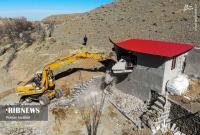 عکس/ تخریب ویلاهای غیر مجاز روستای خاوه قم